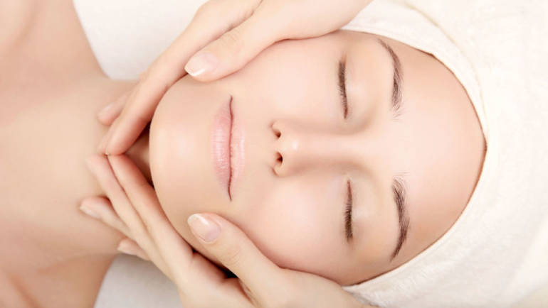 Antiage Face and Neck Massage